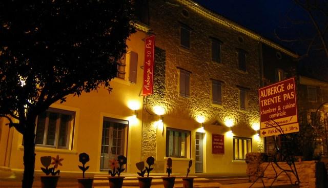 Chambres d 39 hotes nyons remuzat auberge drome proven ale - Difference entre gite et chambre d hote ...